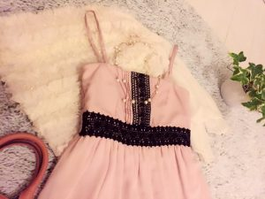 ピンクのワンピース