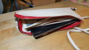 ポーチ財布