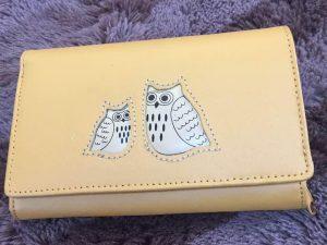 フクロウ柄の財布